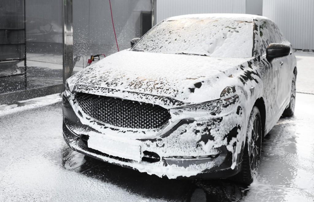 泡たっぷり洗車