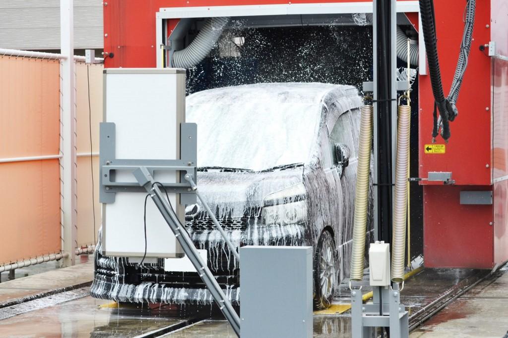 洗車機泡洗車