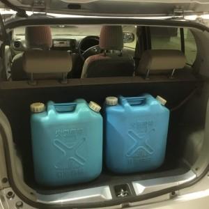 トランクに灯油タンク